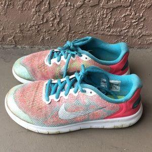 Girls Nike FREE RN Running Shoes Size 4Y